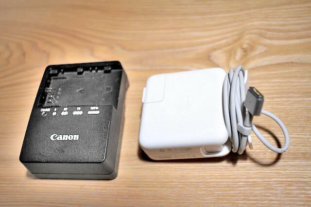 19 カメラ充電器 パソコン電源アダプター