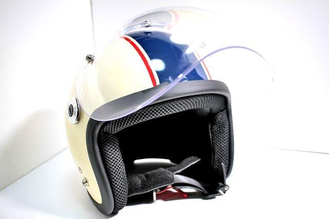 10 ヘルメット シールド