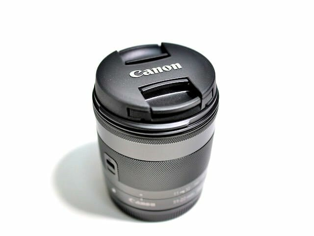 EF M11 22mm レンズ本体