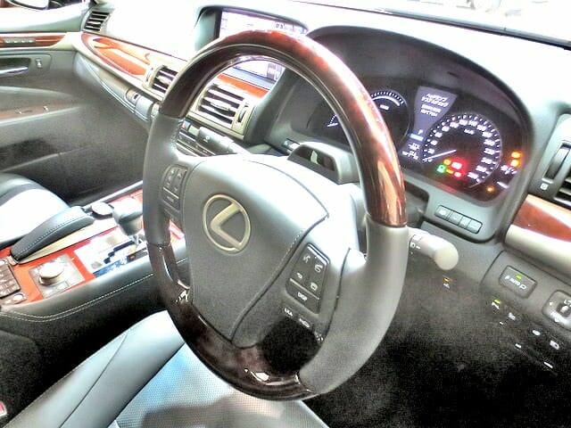 LEXUS乗車