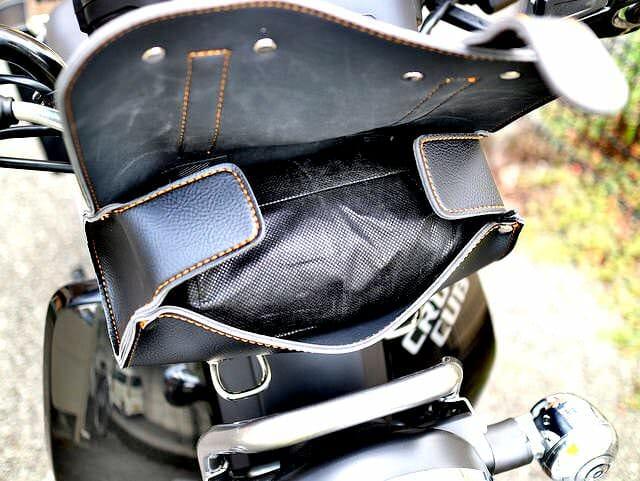 フロントフォークツールバッグ1L携行缶収納