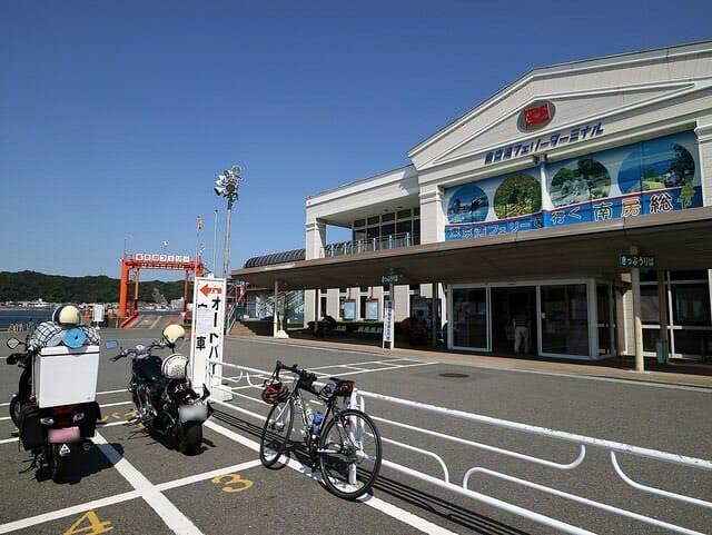 横須賀市久里浜港ターミナル