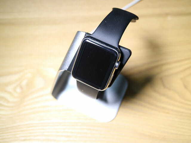 AppleWatchスタンド装着正面