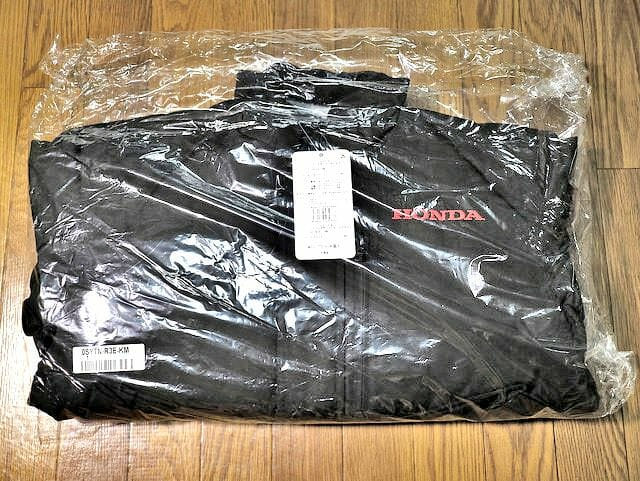 Hondaグッズブルゾン梱包