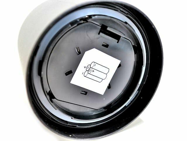 人感LEDライト電池フタ