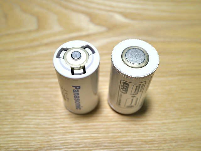 単3→単2スペーサー単3電池装着完了