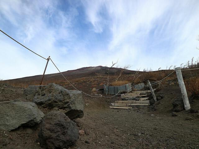 富士山2400m先