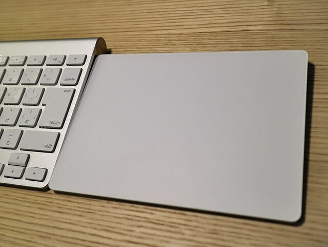 MagicTrackpad2旧式AppleKeyboard