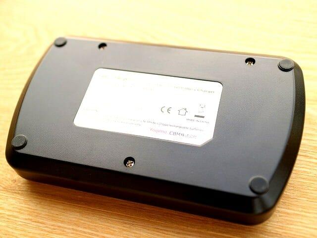 単3電池バッテリーチャージャー本体裏面