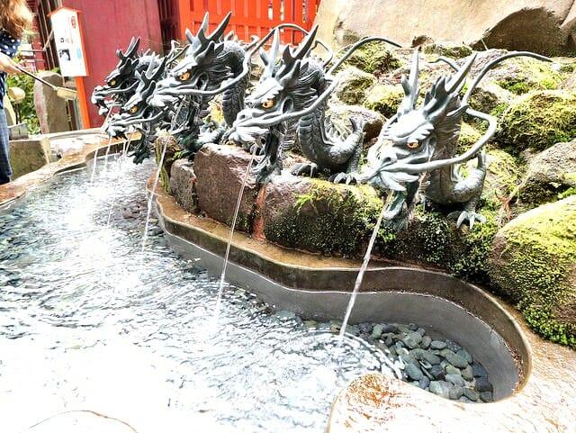 箱根神社龍神水