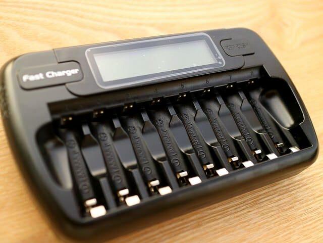 単3電池バッテリーチャージャー本体