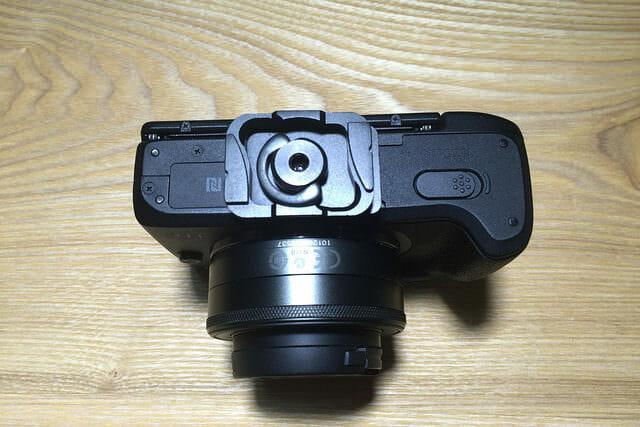 PeakDesignPL M1カメラ装着1