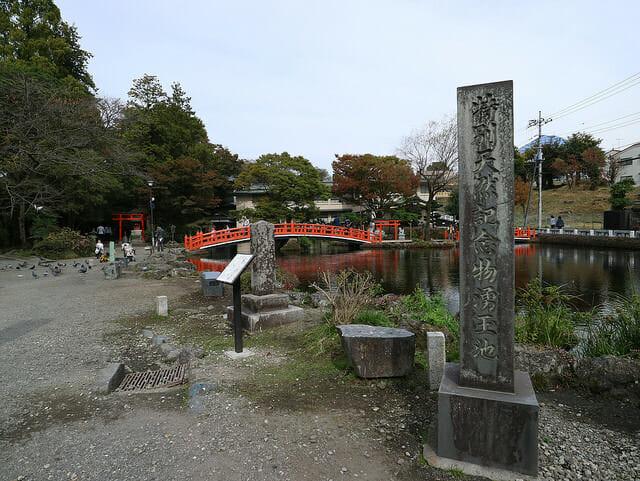富士宮浅間大社湧玉池