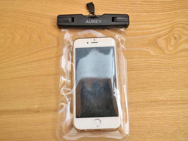 防水ケースAUKEYiPhone6収納