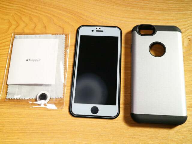 IPhone6タフ保護ケース中身