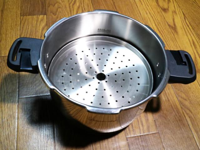 圧力鍋内側4