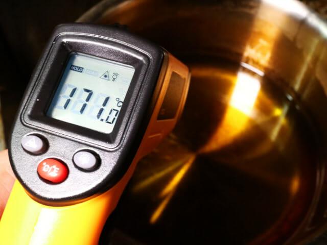 レーザ温度油