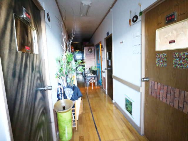AirbnbA館廊下