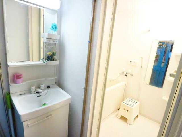 AirbnbA館脱衣室浴室