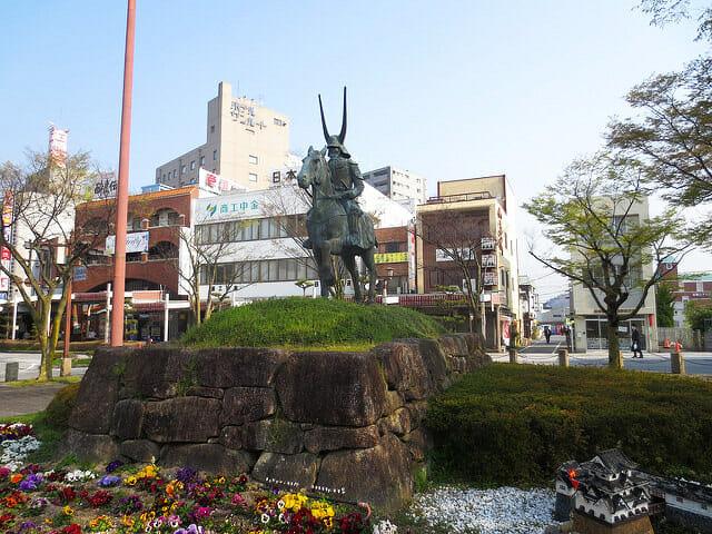 彦根駅前井伊直政