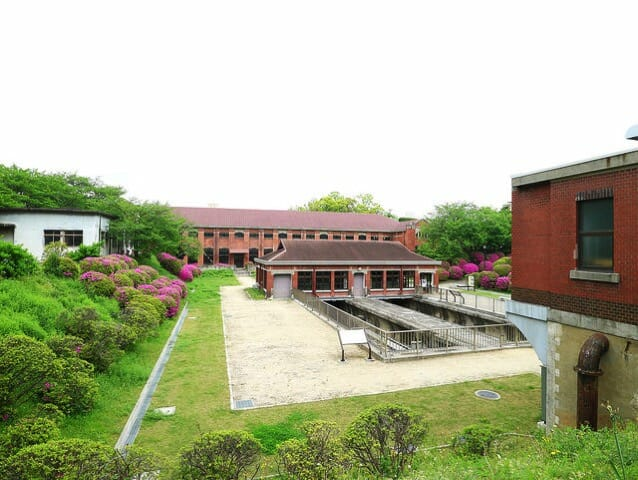 旧三河島汚水処分場ポンプ場施設全景