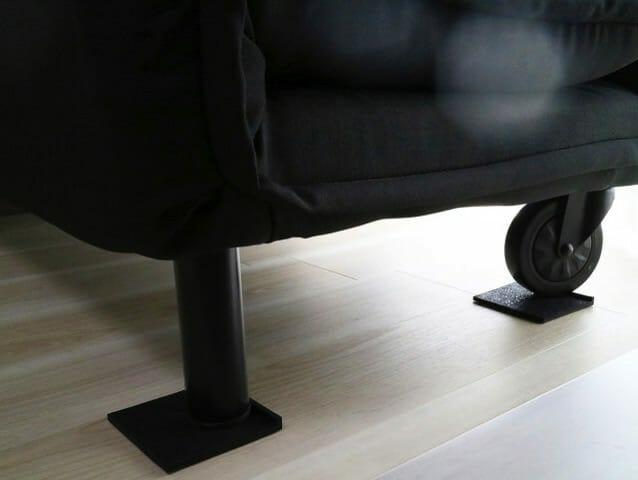 家具が滑るフローリング床ソファーすべり止めゴムマット使用後