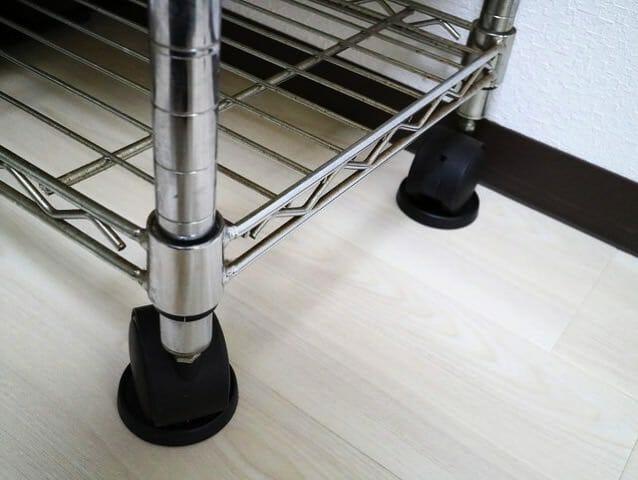 家具が滑るフローリング床キャスター受け使用後