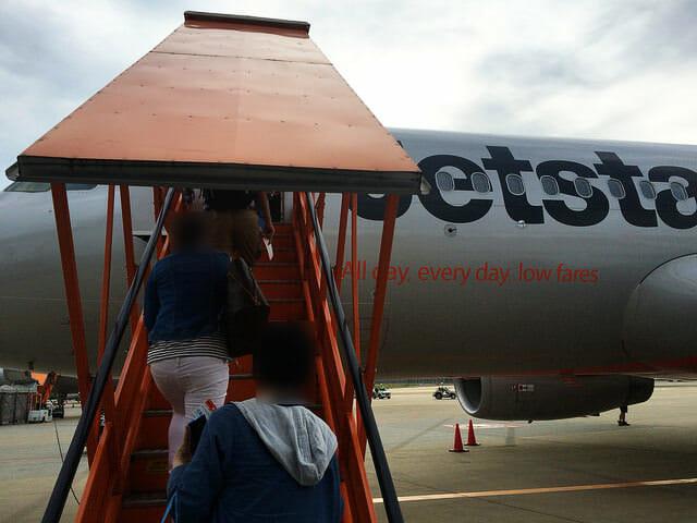 搭乗口から機内4