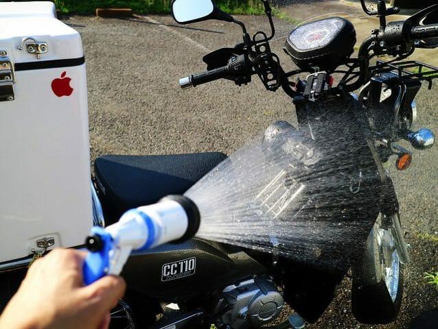 バイク洗車3水洗い