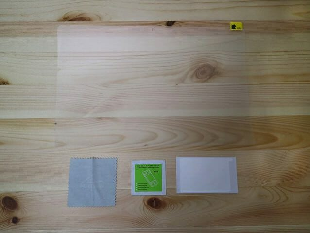 MacBookProLate2016 保護フィルム同梱物