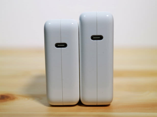 Apple61Wor87WUSB C電源アダプタ比較USB Cポート部