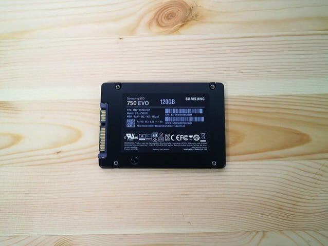 2 5インチSSDMZ 750120B IT 本体裏面