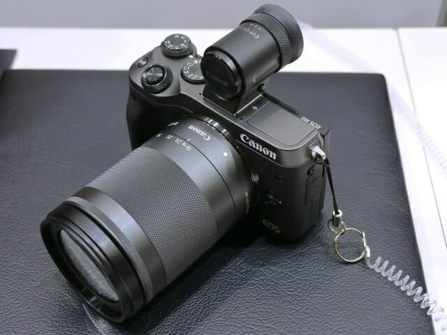 EOSM6 18 150mm正面右上