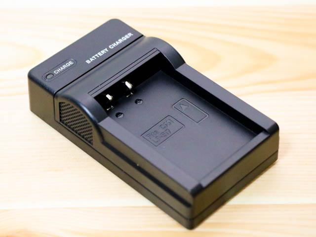 EOSM3用LP E17バッテリーUSB充電器 本体