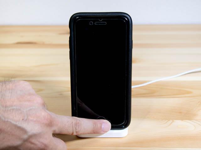 IPhoneLightningDock TouchID中指