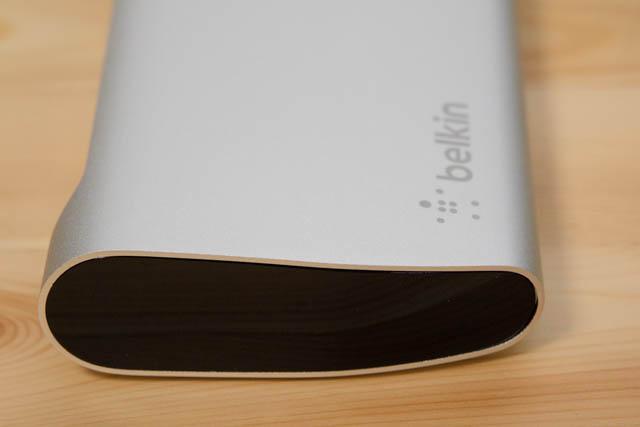 Belkin Thunderbolt3拡張ドック 左側面