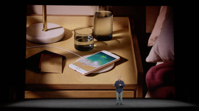 AppleSpecialEvent201709 iPhone8ワイヤレス充電