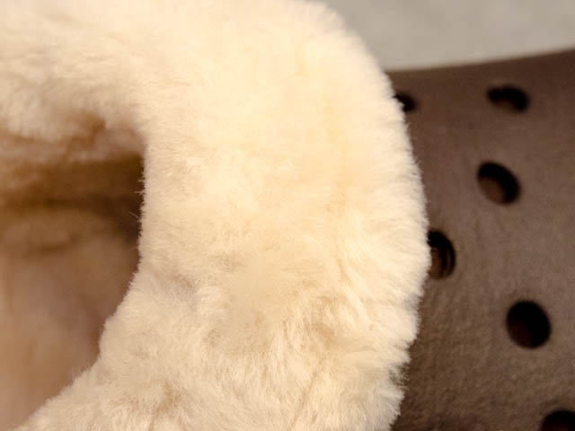 Crocs FuzzCollection ClassicMammothLuxeShearlingLinedClog羊毛