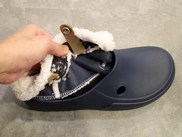 Crocs FuzzCollection ClassicBlitzen3 0Clogモコモコ取り外し