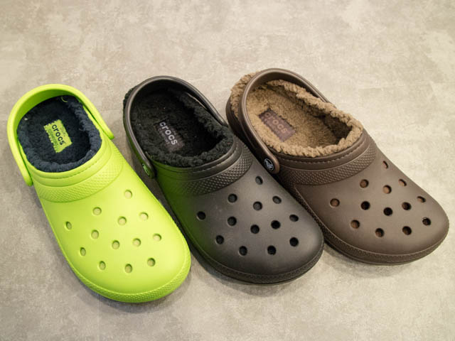 Crocs FuzzCollection ClassicFuzzLinedClogカラバリ