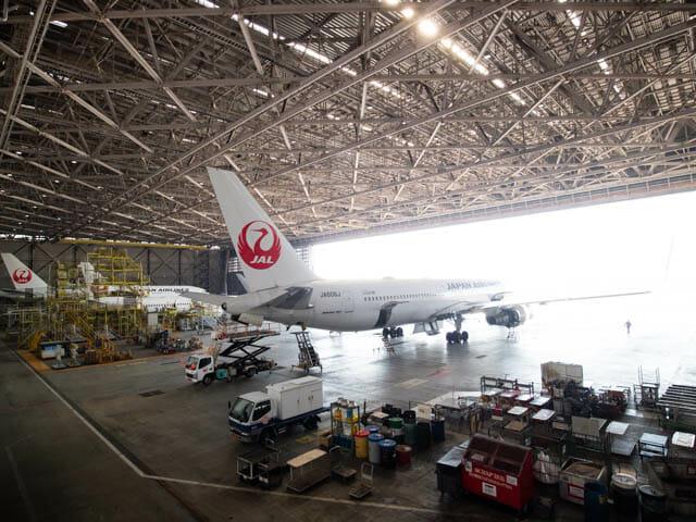 機体工場見学 JAL 28
