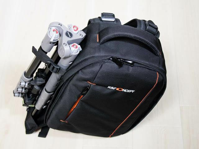 K F Concept カメラバッグ 左横三脚設置で縦置き
