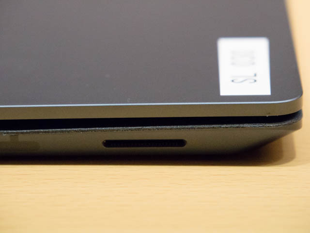 マイクロソフト 新製品Touch Tryイベント SurfaceLaptop右側面