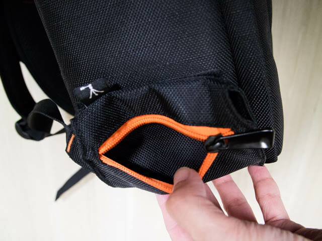 K F Concept カメラバッグ 左横ポケット