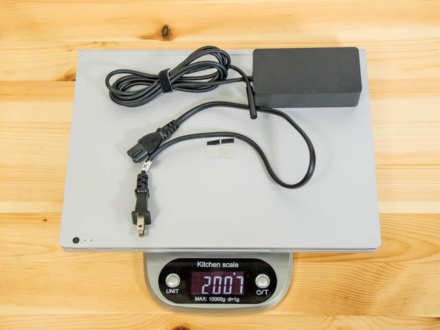 SurfaceBook2 重量