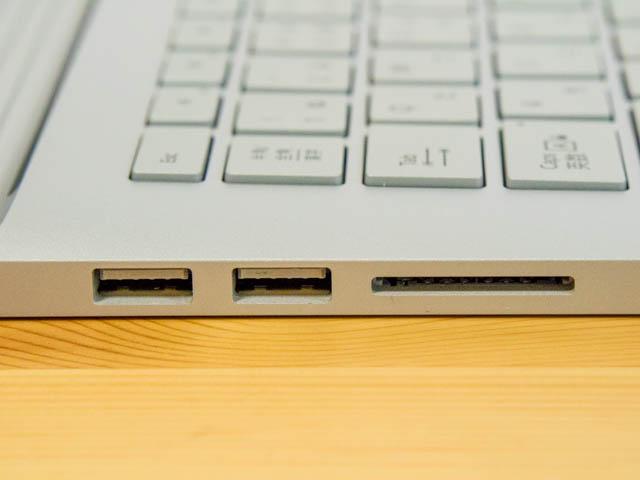 SurfaceBook2 左側面インターフェース