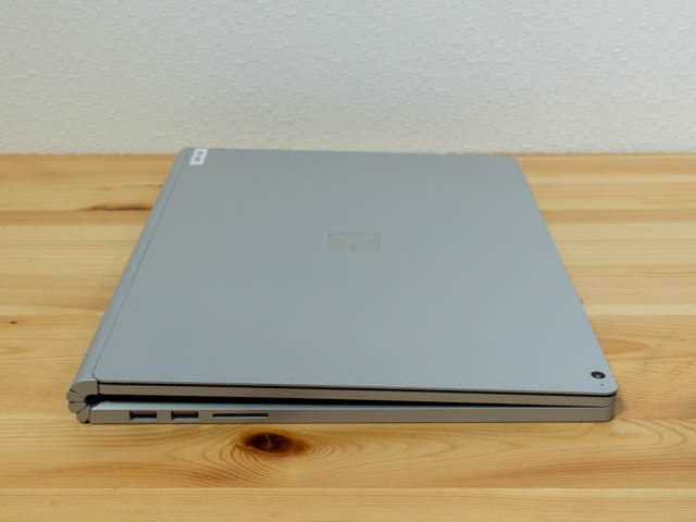 SurfaceBook2 15inch 側面 左