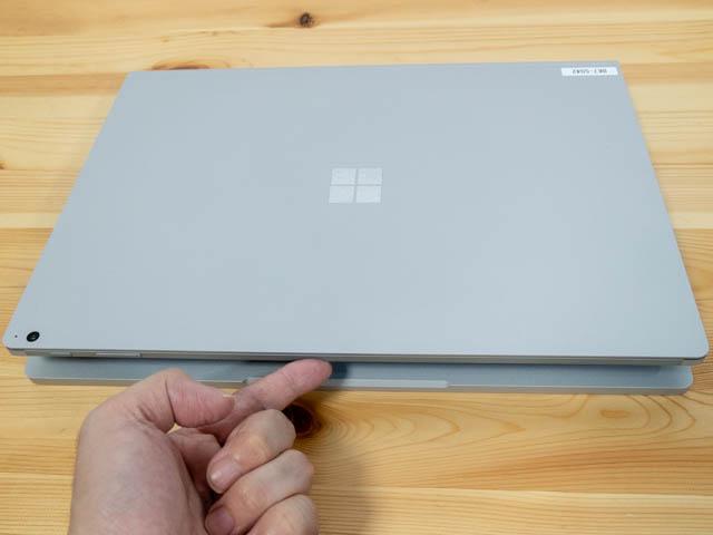SurfaceBook2 15inch フタ開け