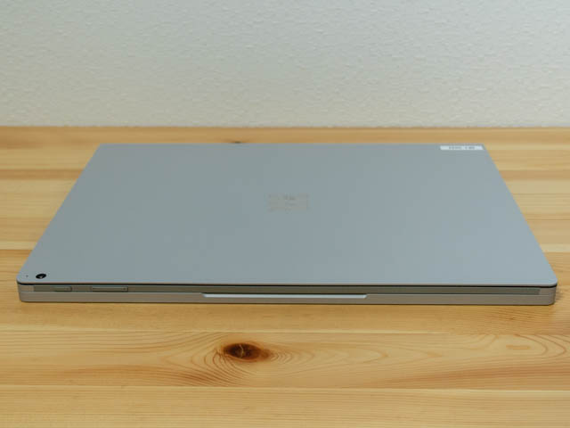 SurfaceBook2 15inch 前面