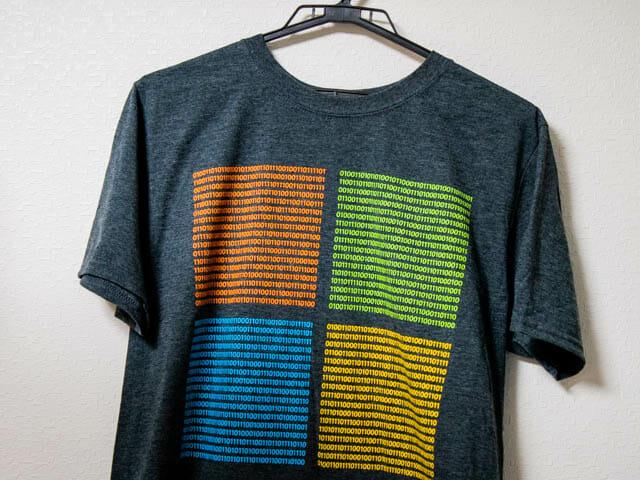 バイナリーTシャツ 壁掛け